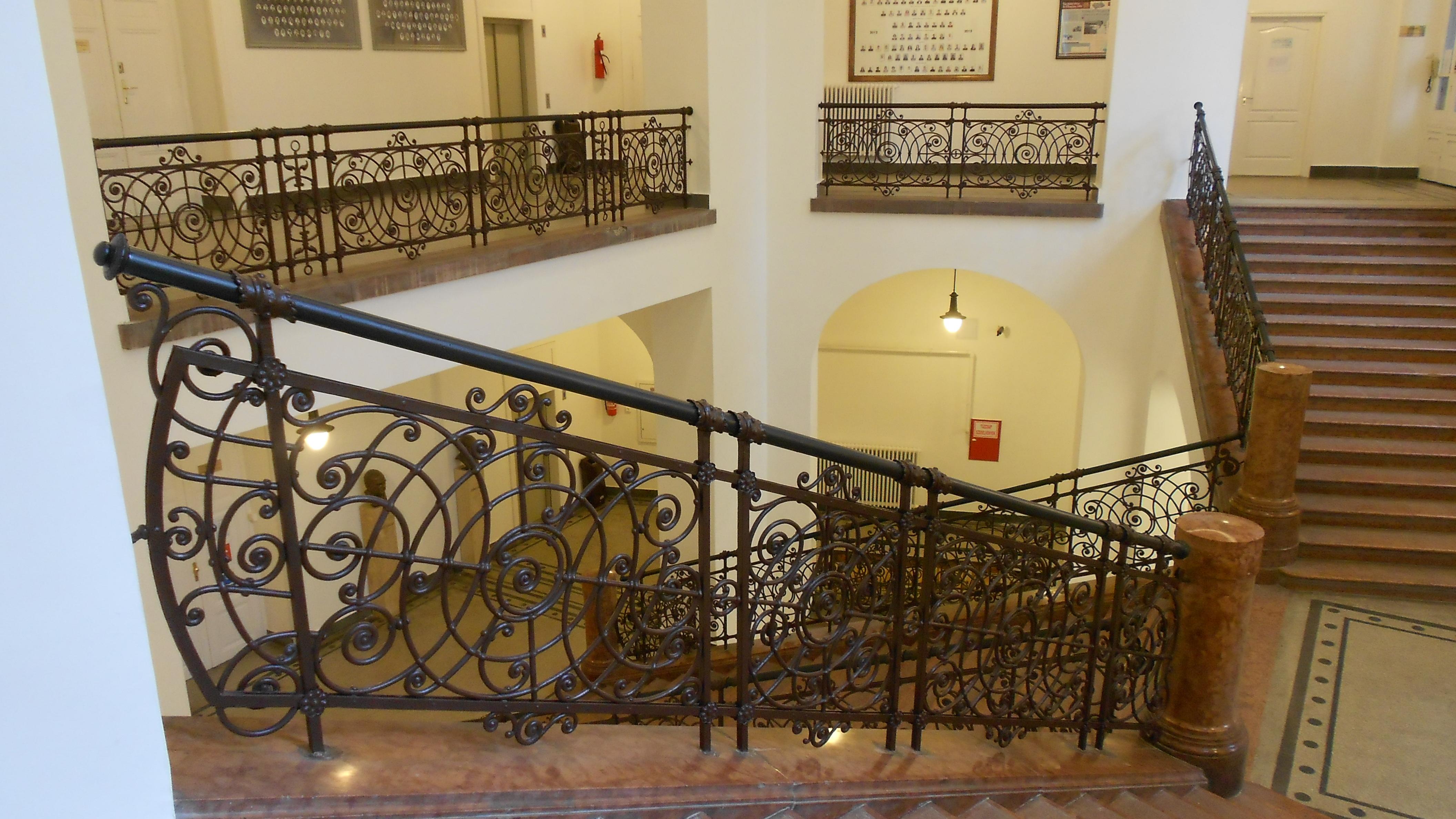 A CH-épület lépcsőháza