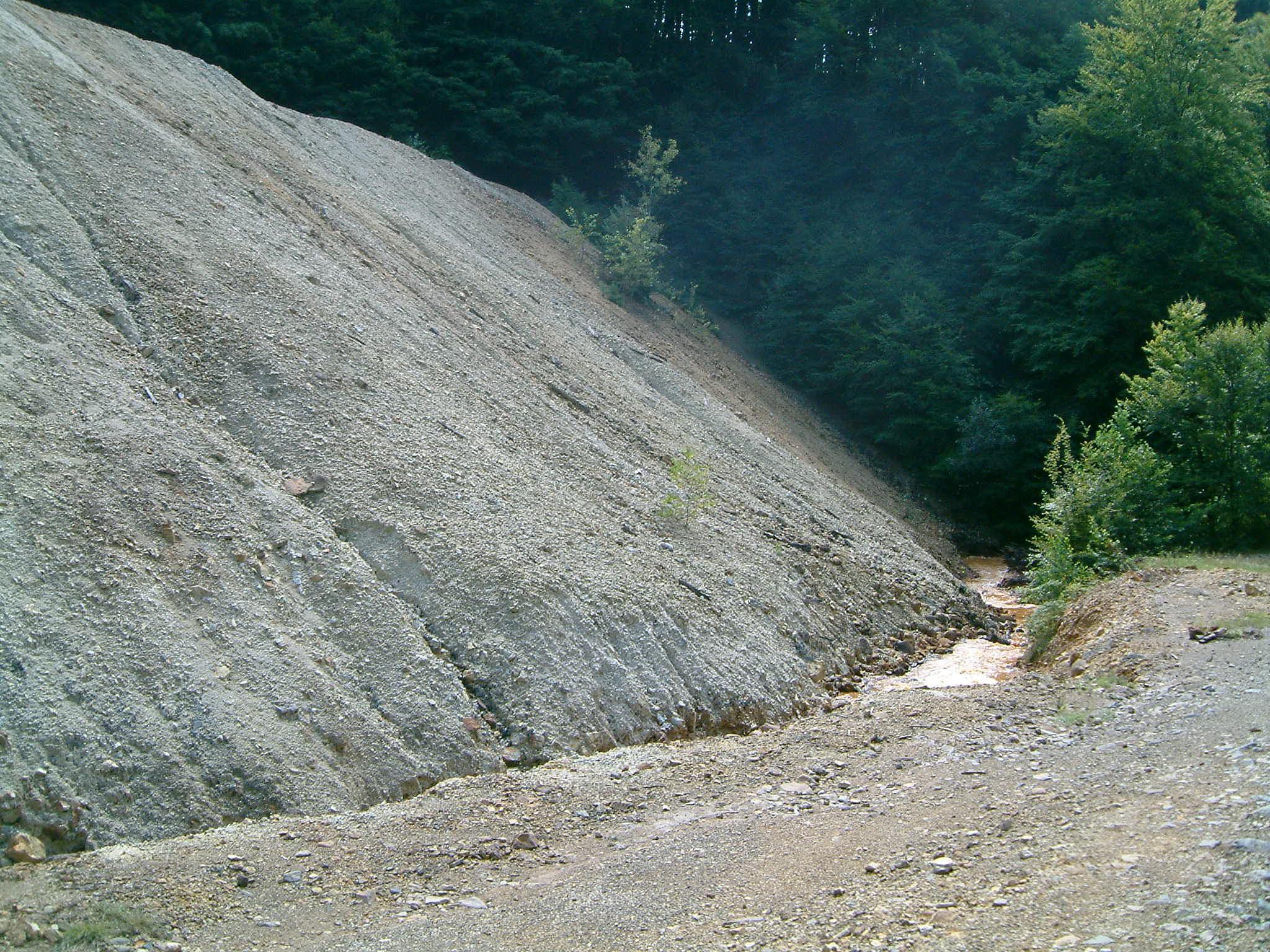 Bányameddőhányó Iloba bánya területén (Románia)